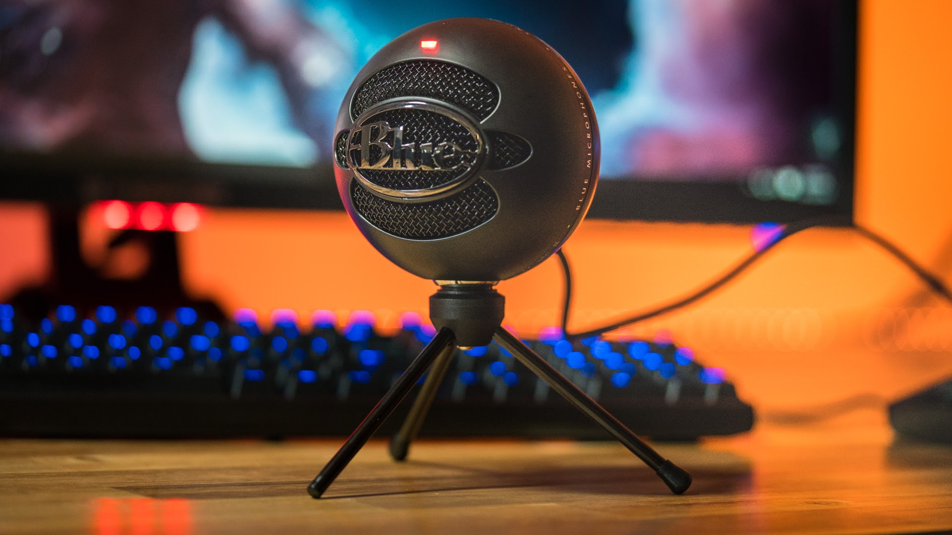 snowball mic is this usb microphone worth your money. Black Bedroom Furniture Sets. Home Design Ideas