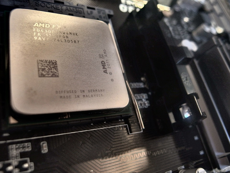 amd fx 6300 processor on black motherboard
